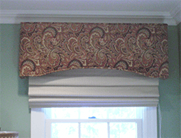 Cornice with Hunter Douglas Vignette Shade