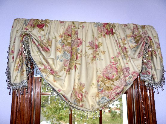 Balloon Valance with Beaded Trim