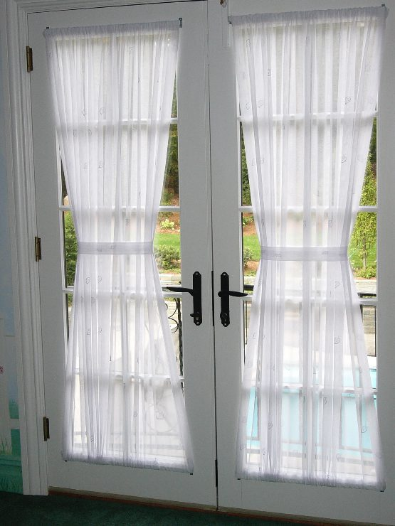 Hourglass Rod Top and Bottom Panels on French Doors