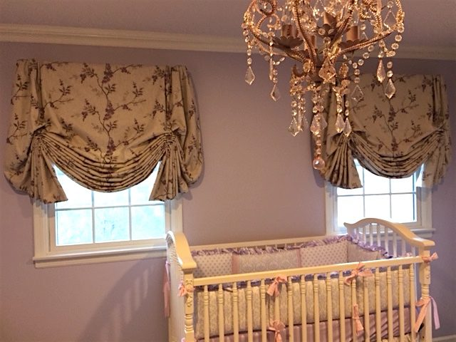 Balloon Shades With Tails For Baby's Bedroom