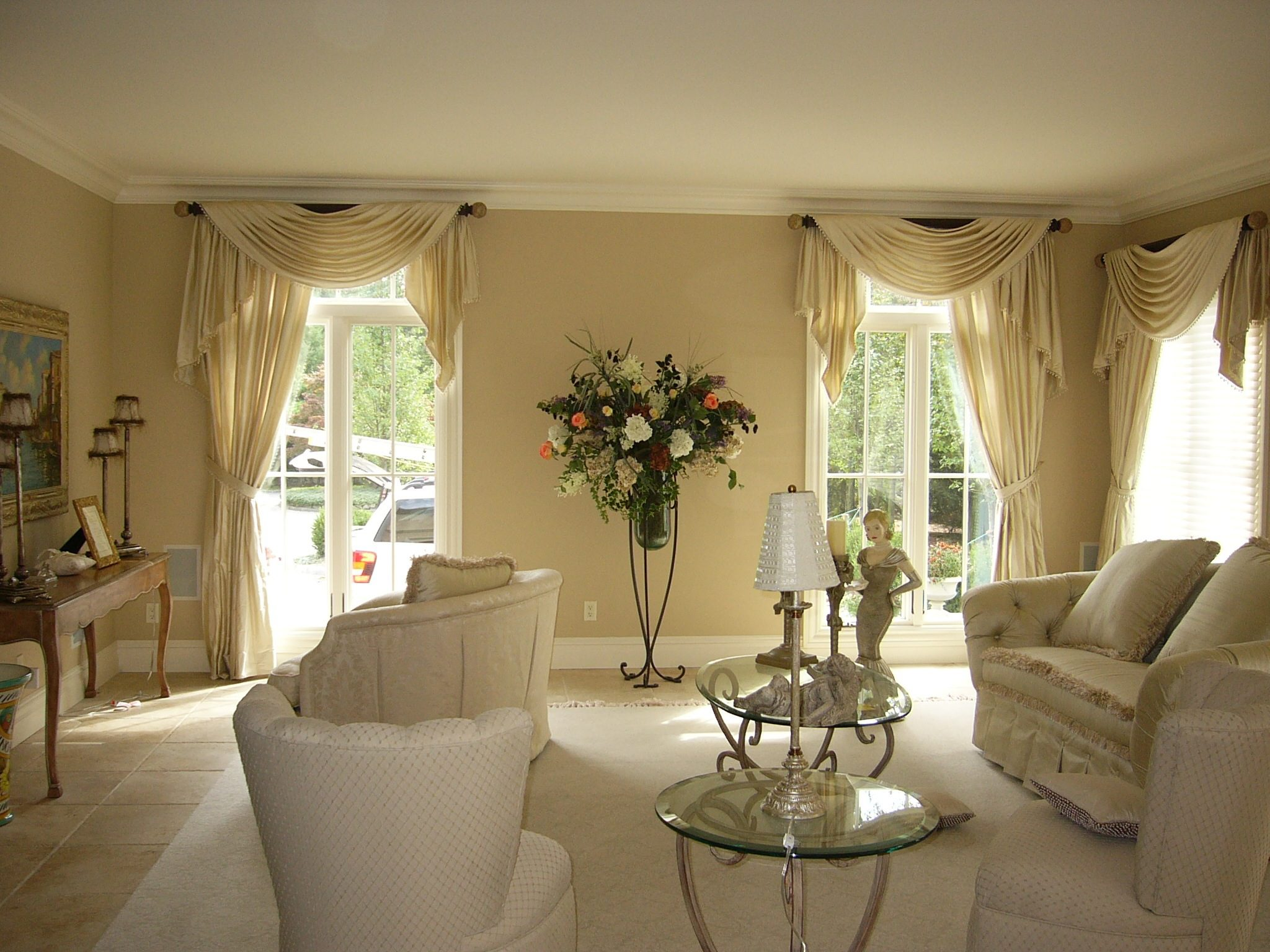 Valances and swags by curtains boutique in nj for Living room valances