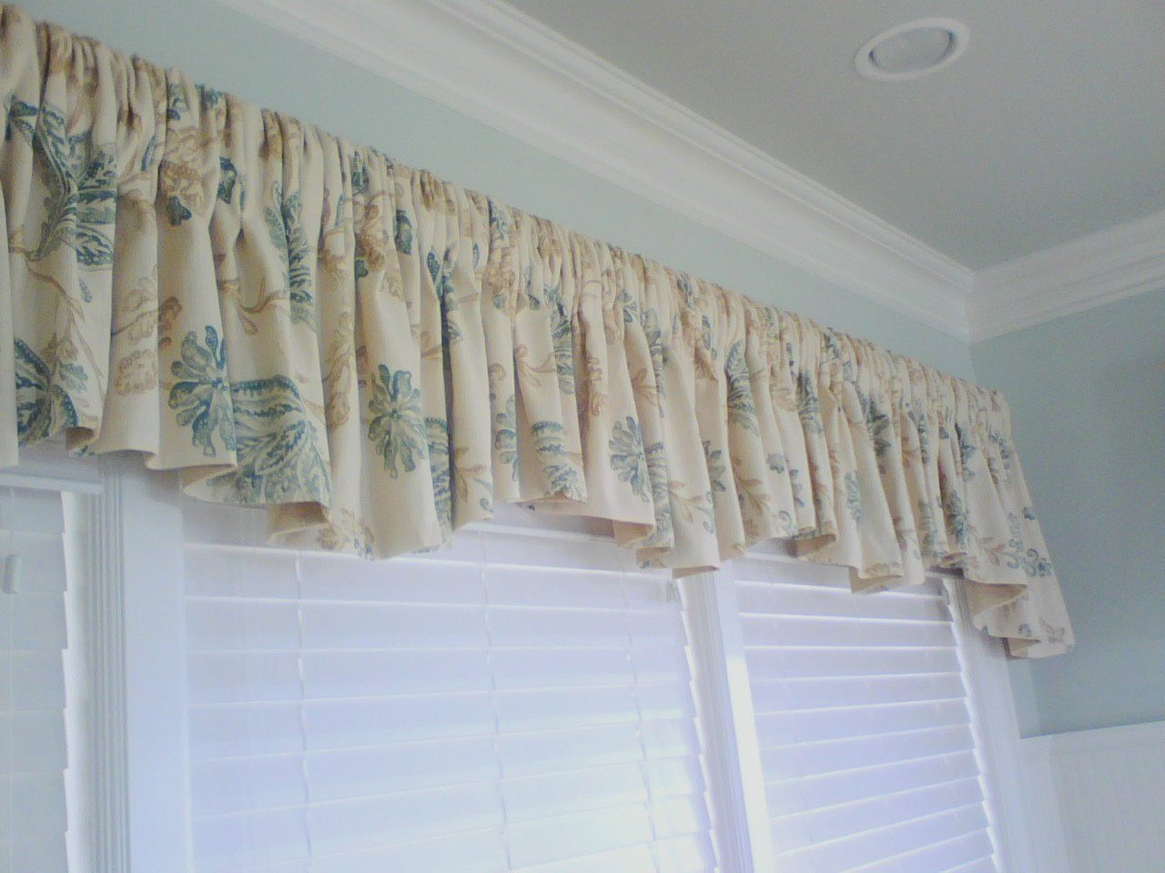 Shirred Rod Pocket Valance